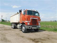 1975 International COE Cabover T/A Grain Truck