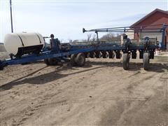 1997 Kinze 2700 24R20 Planter