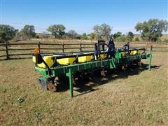 John Deere 1700 8R30W Planter