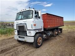 1977 International COF4070 T/A Grain Truck