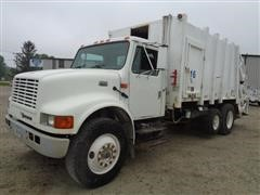 2001 International 4900 T/A Garbage Truck