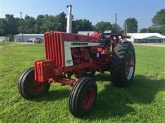 1967 International Farmall 806 Diesel 2WD Tractor