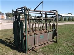 Farm Master Big Valley Manual Squeeze Chute