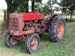 1952 International W6 2WD Tractor