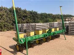 John Deere 7100 6 Row Planter