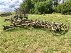 John Deere E1000 Field Cultivator