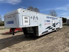 1994 United Express Line Tri/A Enclosed Trailer