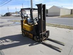 Yale GLC035AFNUAF083 Forklift