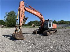 Hitachi EX200LC-5 Excavator w/ Bucket