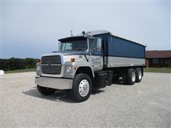 1982 Ford 9000 T/A Grain Truck