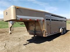 2000 Diamond D 2320-6820 T/A Gooseneck Livestock Trailer