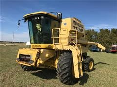 2000 New Holland TR99 2WD Combine