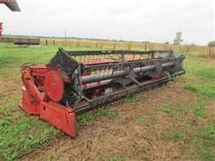 International Harvester 820 17 1/2 ft. Flex-Header