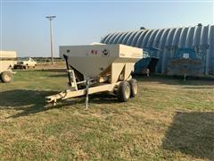 1996 Willmar Super 500 T/A Fertilizer Spreader
