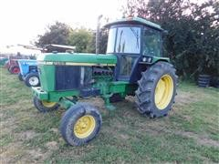 1990 John Deere 2955 2WD Tractor