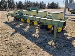 John Deere 7100 6R Wide Planter