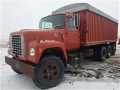 1981 Ford LT8000 Tri/A Grain Truck