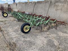 John Deere 1100 3-Point Field Cultivator