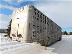 2000 Wilson PS-DCL-302 Aluminum Pot Livestock Tri/A Trailer