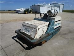 Tennant 265 Sweeper W/LPG Engine And Hydrostatic Drive