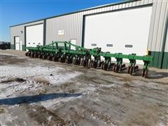 Hiniker 5000 16 Row Crop High Residue Cultivator