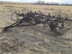 John Deere 650 Chisel Plow