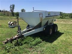 Willmar 600 T/A Dry Fertilizer Spreader