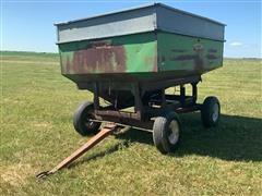 Dakon 350-Bushel Gravity Wagon