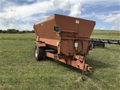 Oswalt 350 Feed Wagon