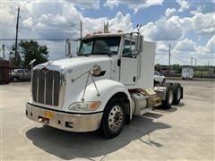 2009 Peterbilt 384 T/A Truck Tractor