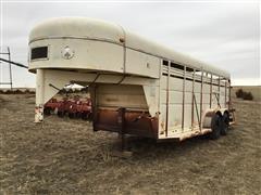 1988 Lundgren T/A Gooseneck Livestock Trailer