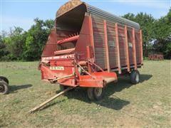 Gehl BU910 4 Wheel Forage Wagon