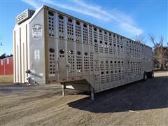 2006 Merritt Gold Line T/A Spread Axle 53' X 102 Livestock Trailer