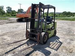 Clark CCP25 Forklift
