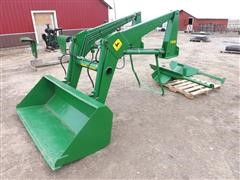 John Deere 148 Front End Loader W/bucket