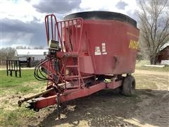 NDE 702 Vertical Mix Feed Wagon