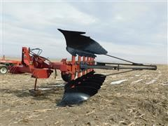 Case IH 165 6 Bottom Moldboard Plow