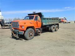 1984 Ford F800 T/A Dump Truck