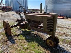 1939 John Deere B 2WD Tractor