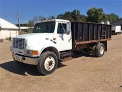 2001 International 4900 S/A Truck W/Dump Box