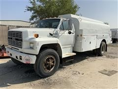 1989 Ford F800 4WD Fuel Tanker Truck