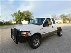 2001 Ford F250 Super Duty Lariat Club Cab 4WD Pickup