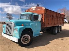 1971 International Loadstar 1600 T/A Grain Truck
