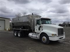 2002 International 9200 T/A Fertilizer Auger Tender Truck