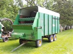 1976 Badger BN 950 Forage Wagon