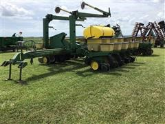 John Deere 7000 16-Row Planter