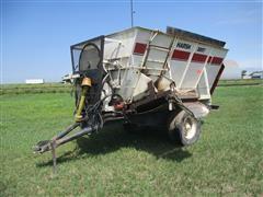 Harsh 300T Pull-Type Feed Wagon