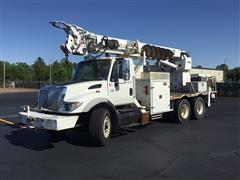 2007 International 7400 T/A Digger Derrick Truck W/Altec Digger