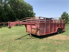 1975 Bullmobile 720EP T/A Gooseneck Livestock Trailer