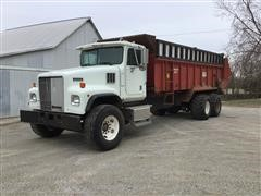 1998 International Paystar 5000 T/A Manure Truck